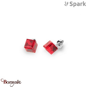 Boucles d'oreilles SPARK with Swarovski : Cube Medium 8 Mm - Rouge thaï